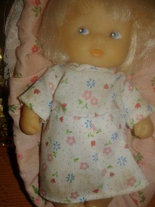 Muñeco con capacho años 70