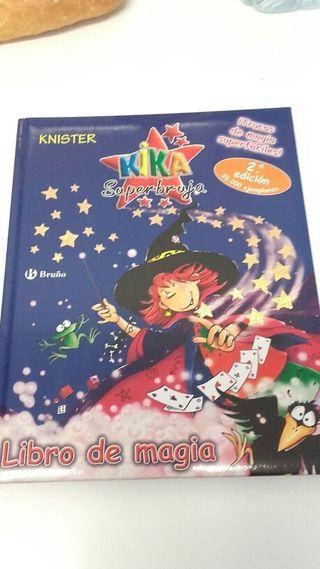 Libro de magia Kika Superbruja