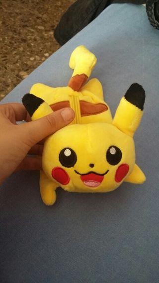Estuche Pikachu