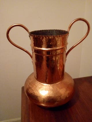 Jarra de cobre pulido