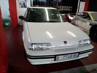 Rover 820 clasico.