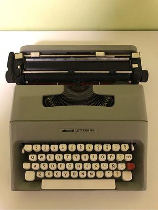 Maquina de escribir olivetti LETTERA 35