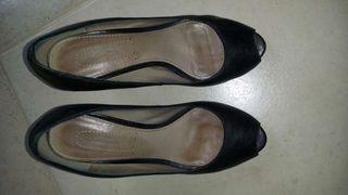 Zapatos Más sino Dutti: azul marino piel. Número 39