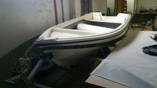 Barca fibra remolque