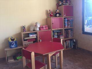 Taula i 2 cadires infantils + Llibreria