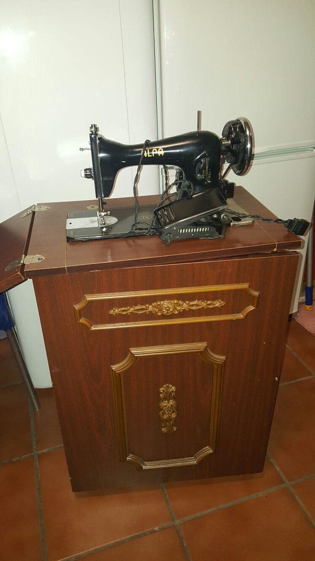 Maquina de coser ALFA antigua URGE POR MUDANZA