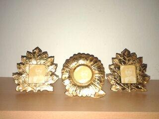 Tres portaretratos dorados