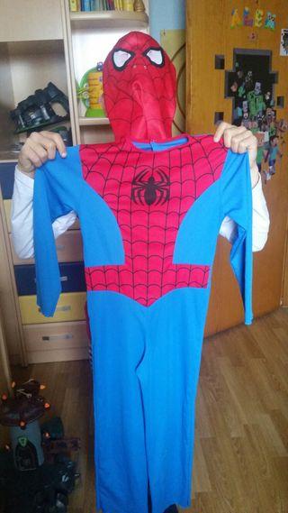 Disfraz spiderman con máscara