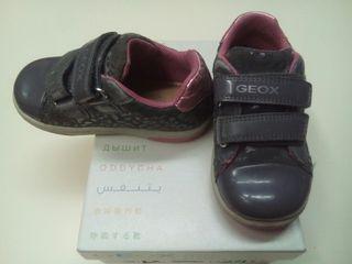 Zapatos niño Geox Número 24 de segunda mano por 20 € en Doña