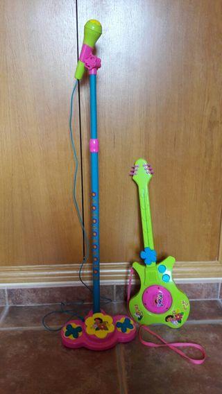 JUGUETES. Guitarra eléctrica y micrófono