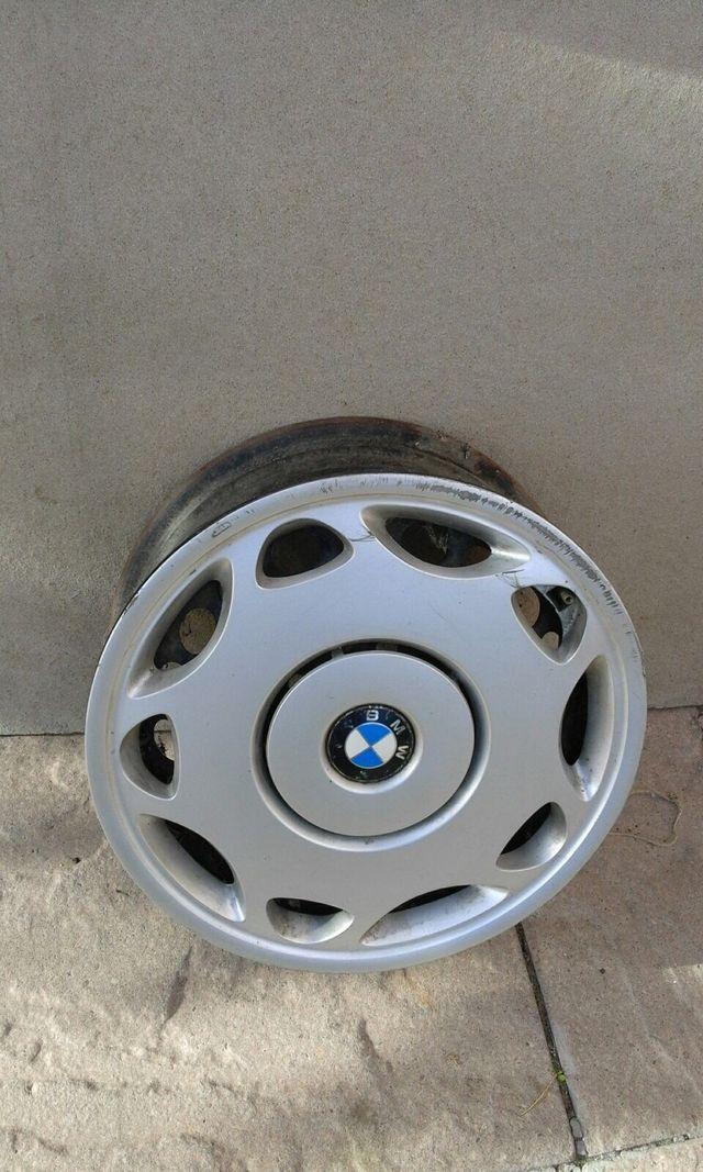 4 llantas para BMW 318, con sus tapacubos