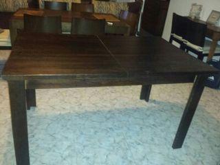 Mesa comedor madera maciza nogal de segunda mano por 40 € en
