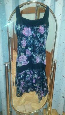 Vestido negro y rosa de fiesta