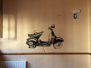 Vinilo decorativo paredes Vespa