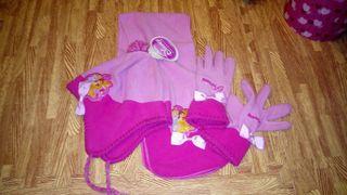 Bufanda guantes y gorro