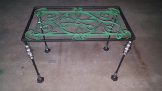 Mesa de hierro fundido vintage