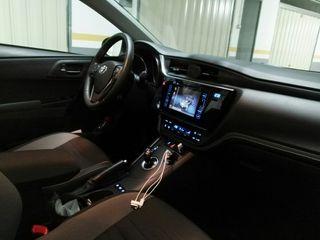 Toyota auris hibrido 2016