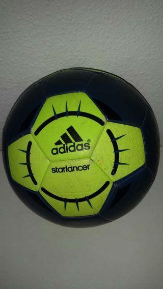 Balón de fútbol Adidas starlancer