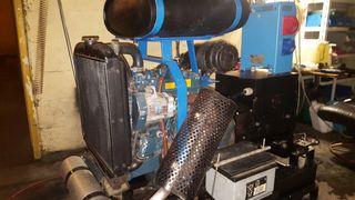 Generador de corriente diésel de 16 gaveas