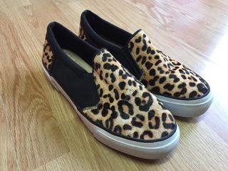 Zapatillas suela ancha estampado leopardo