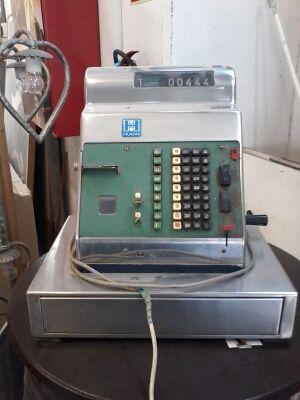 Caja registradora años 60/70