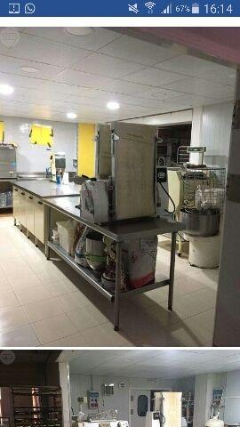Venta de obrador y pastelería con tienda