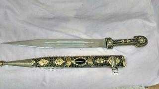 Espada corta de 35 a 40 cm