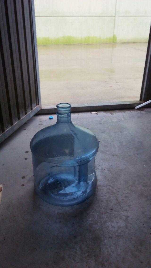 Coolers botellones garafas vacias