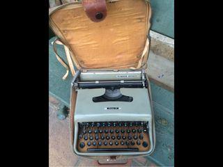 Maquina Escribir Antigua. Hispano Olivetti