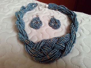 Conjunto de collar y pendientes trenzados
