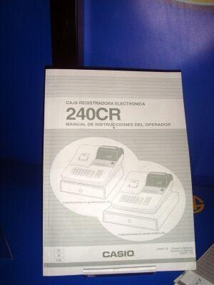 Maquina registradora Casio 240 CR con intrucciones