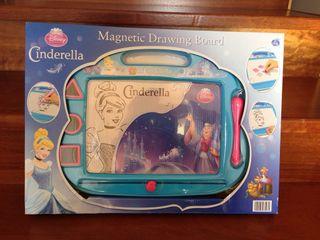 Pizarra magnética Cenicienta - Disney- sin abrir