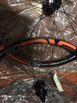 Vendo ruedas mtb Enve carbon nuevas a estrenar 29r