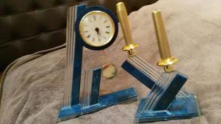 Reloj y candelabro