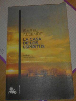 """Libro """"la casa de los espíritus"""""""