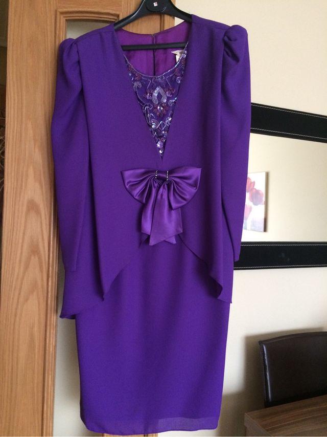 Hermosa Vestido De Fiesta De Navidad Para Las Mujeres Elaboración ...