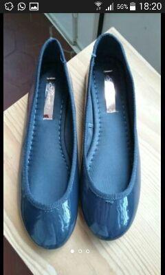 Zapatos tipo charol n.37