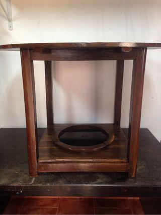 Mesa de camilla vintage
