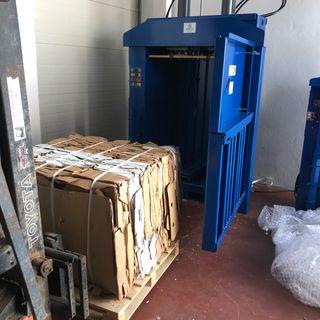 Prensa cartón,film,reciclaje