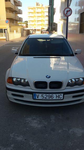 VENDO COCHE BMW320