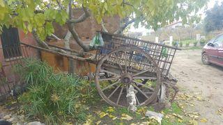 Carro de madera antiguo