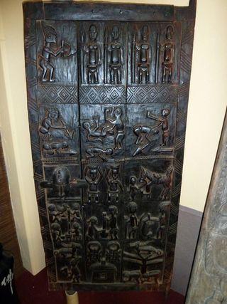 Preciosa puerta africana