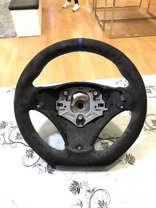 Tapizado y achatado de volante
