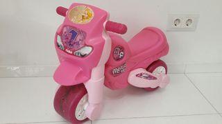Moto rosa correpasillos FEBER