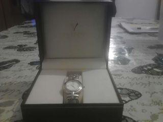 Vendo reloj marca viceroy.