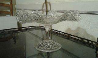 Centro de mesa de cristal tallado antiguo