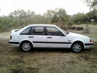 Volvo 440glt 2000.