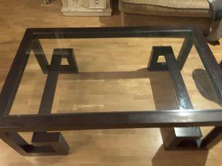 Mesa madera y cristal, elegante para sala de estar