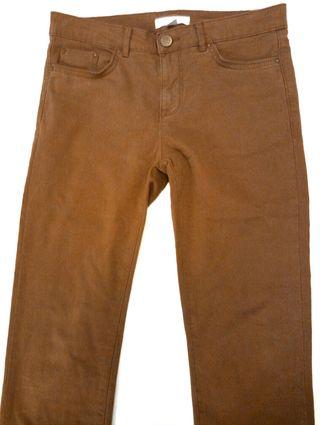 Pantalon marrón mostaza