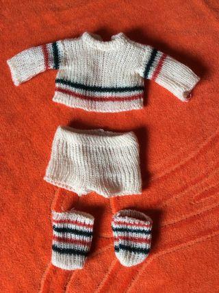 Se vende conjunto de ropita del muñeco Baby Mocosete, años 70